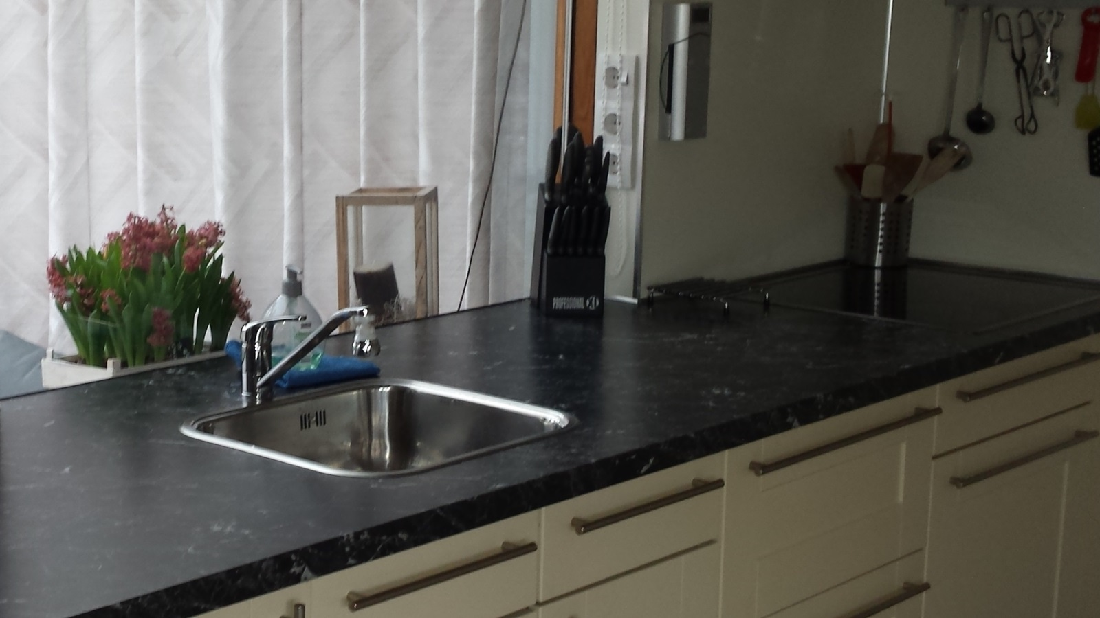 Keuken Marmer Zwart : Zwarte keuken met marmeren blad u informatie over de keuken